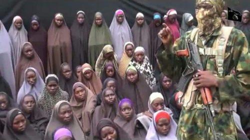 boko-haram-liberta-21-meninas-de-chibok_acegis